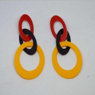 Peggy vermelho, preto e amarelo